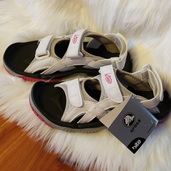 a18da45125c7 NWT Croc bite sandals